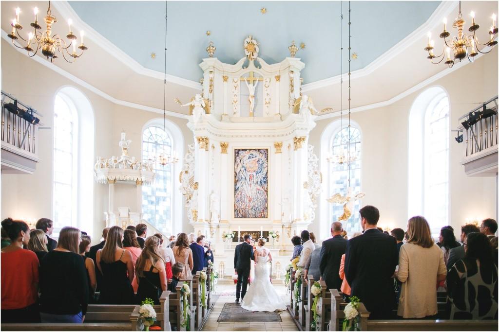 Hochzeitsfotos Kirche Brautpaar Hamburg